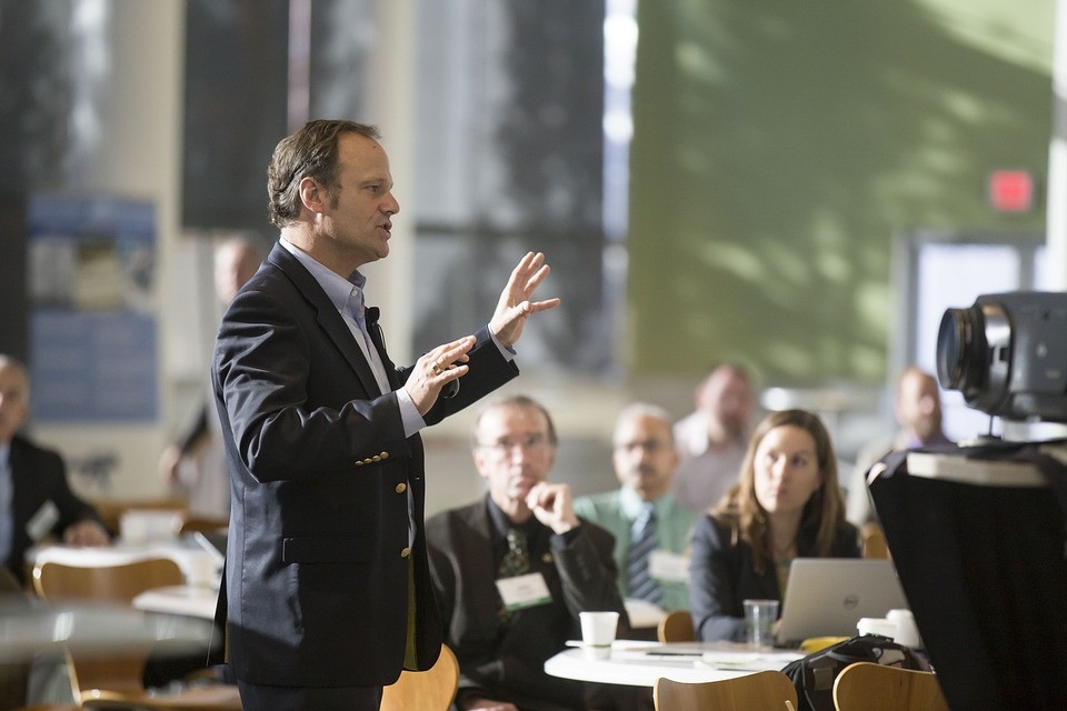 Stand and Deliver: What You Can Gain From Public Speaking Training – As an Attorney